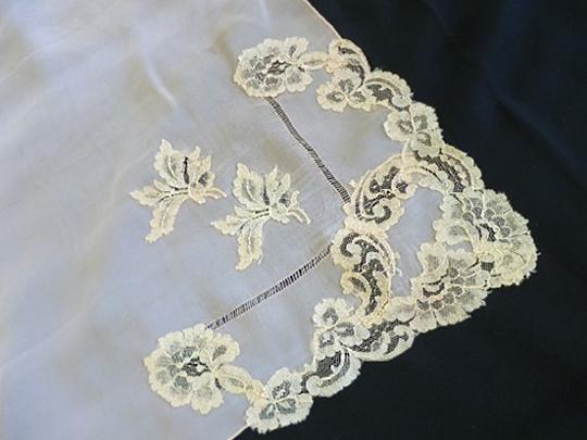 Other VTG SILKY PEACHY CORAL SHEER SILK -DRAWN NEEDLE AND LACE APPLIQUE 1940 Image 4