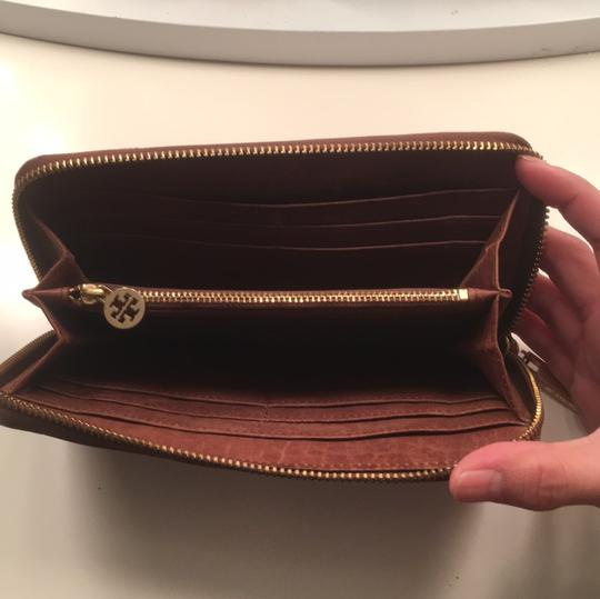 Tory Burch Robinson Leather Image 3