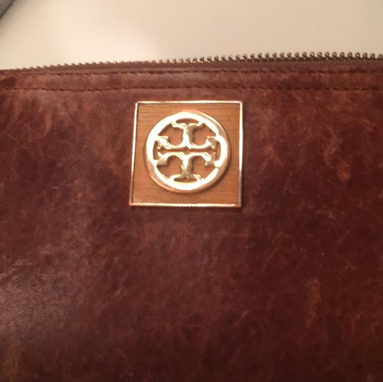 Tory Burch Robinson Leather Image 6