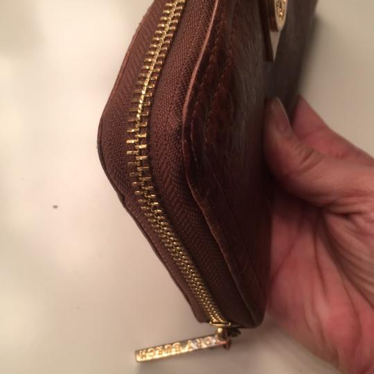 Tory Burch Robinson Leather Image 7