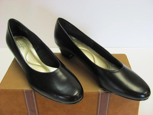 Hush Puppies New Size 9.00 Narrow Excellent Condition Black Pumps Image 2