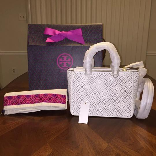 Tory Burch Tote in New Ivory Image 1