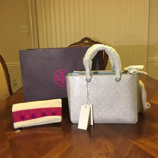 Tory Burch Tote in Soft silver Image 1