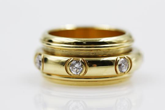 Piaget 18K Yellow Gold movable Ring with 7 Diamonds Image 2