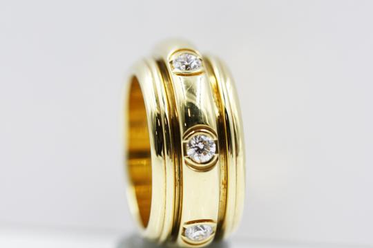 Piaget 18K Yellow Gold movable Ring with 7 Diamonds Image 4