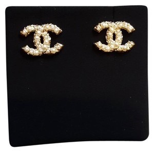 Chanel New Chanel CC Pearls Earings light gold