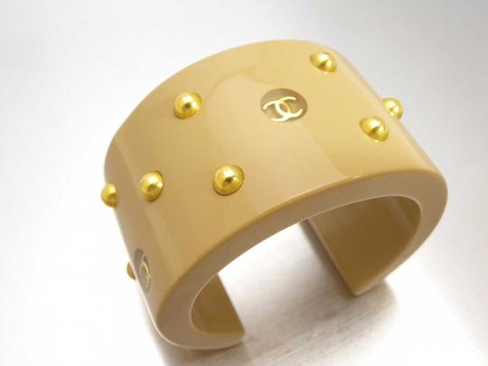 Chanel *VERY RARE* AUTHENTIC VINTAGE CHANEL BANGLE BEIGE CC STUDDED