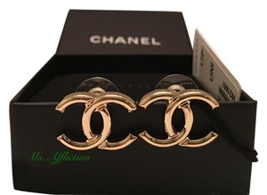 Chanel CHANEL Authentic CC Gold Earrings Medium