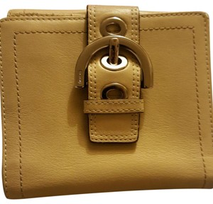 Coach Leather Pebble Buckle Wallet