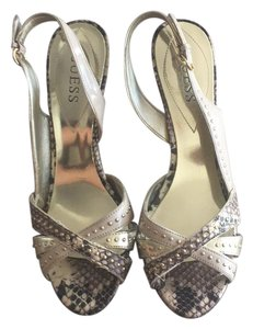 Guess nude Sandals