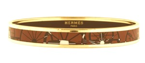 Hermès Narrow Bangle Printed Enamel Wheel Equestrian Caleche PM 65 Gold