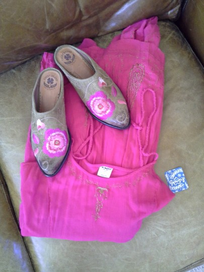 Lucky Brand Cathy Suede Rose Tan with Pink Mules