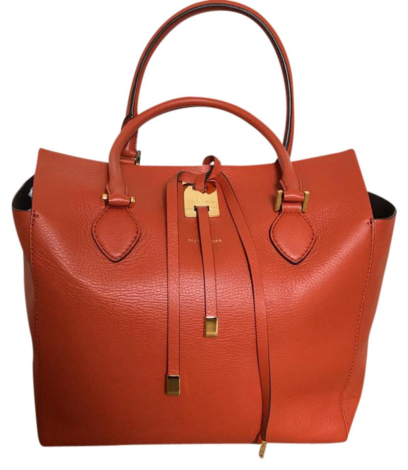michael kors collection orange leather large miranda tote tradesy. Black Bedroom Furniture Sets. Home Design Ideas