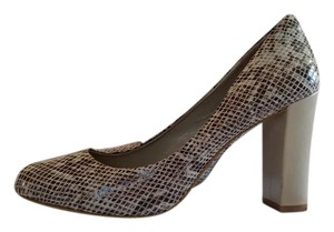 Banana Republic Snake Skin Chunky Heel gray Pumps
