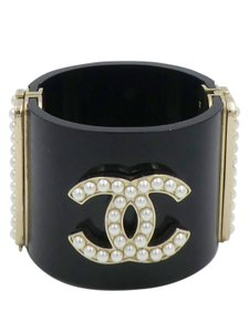 Chanel Chanel 12C Black Resin/Acetate with CC Pearl Logo Pale Gold Cuff Brace