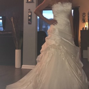 Cosmobella Cosmobella Beautiful Offwhite Gown Wedding Dress