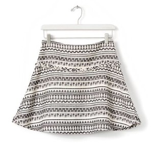 Banana Republic Mini Skirt Jacquard blsck and white