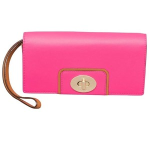Kate Spade Kate Spade TurnLock Hampton Road Wallet Wristlet in Stunning Pink