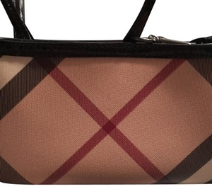 Burberry Wristlet in nova check