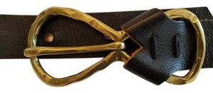 WSOMI Black leather belt with gold metal loop buckle