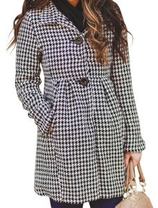 Bitten by Sarah Jessica Parker Houndstooth Winter' Trench Coat