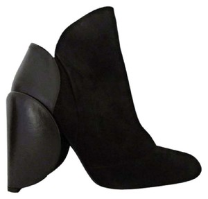 Bally Ret $1350 Narrow Black Boots