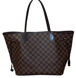 Louis Vuitton Tote in Tan red on the inside