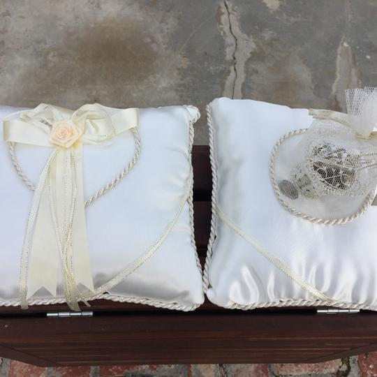 Ivory And Coin Ring Bearer Pillow Image 3