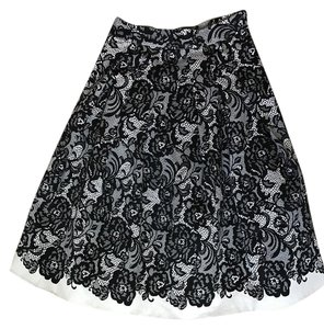 White House | Black Market Midi Pleated Outfit Skirt B&W
