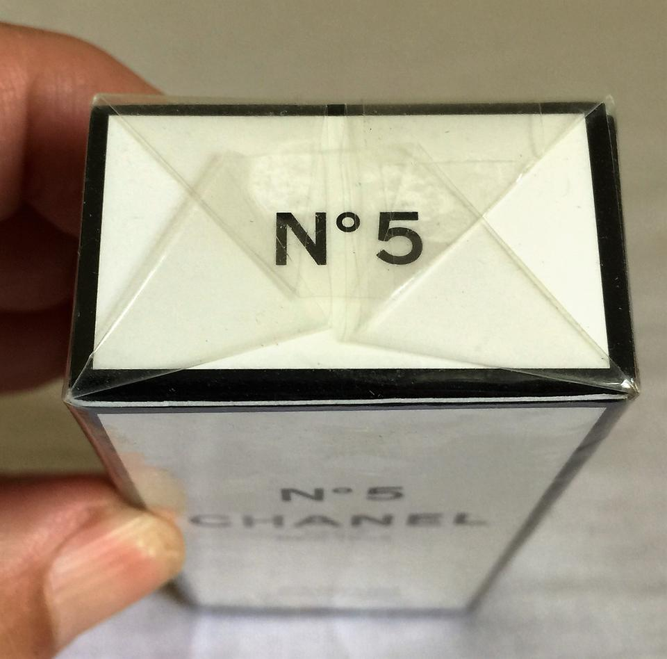 vintage chanel no 5 refill 1 5 fl oz 6ml parfum sealed box on tradesy. Black Bedroom Furniture Sets. Home Design Ideas