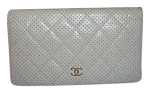 Chanel Wallet Italy Off white Clutch