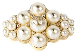 Chanel 2015 PEARL PIN BROOCH - NEW - CLUSTER GOLD CC LOGO CHARM WIDE 15B