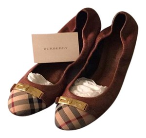 Burberry tan Flats