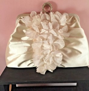 Ivory-satin-design-wedding-evening-clutch-bag-prom-bridal-purse
