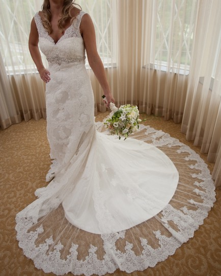 Ivory Lace Gown Vintage Wedding Dress Size 2 (XS) Image 1