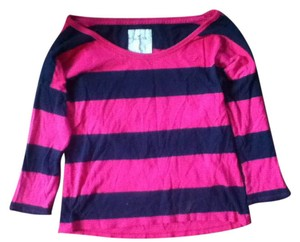 Hollister Striped Exclusive Luxury T Shirt pink black