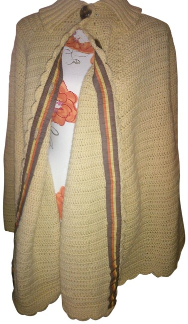 Preload https://img-static.tradesy.com/item/20523831/beige-tan-natural-vintage-chunky-knit-cable-shawl-ponchocape-size-os-one-size-0-6-650-650.jpg