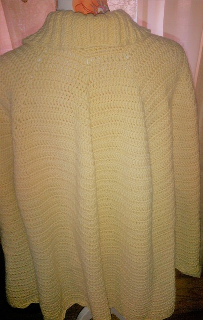 Hand Made Shawl Vintage Knit Cape Image 6