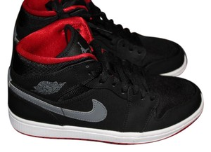 Nike black/gray/red Athletic
