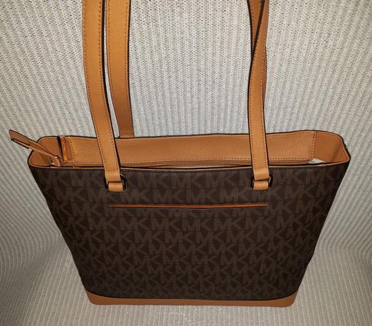 Michael Kors Mk Signature Tech Friendly Gold Hardware Color: Tote in Brown Image 3