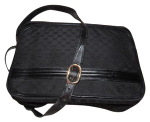 Gucci Unisex Style Great For Everyday Perfect For Travel Excellent Condition Cross Body Bag