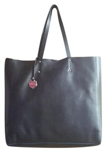 Pulicati Italian Sleek Leather Tote in Black
