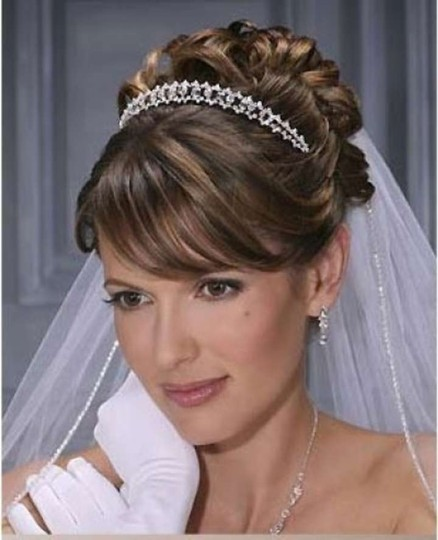 Preload https://item3.tradesy.com/images/bel-aire-bridal-white-long-v8335c-cathedral-veil-205247-0-0.jpg?width=440&height=440