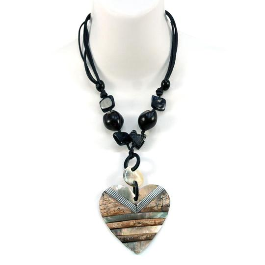 Preload https://img-static.tradesy.com/item/20525170/neutral-heartblack-beads-nature-at-island-w-iridescent-and-rock-texture-necklace-0-1-540-540.jpg
