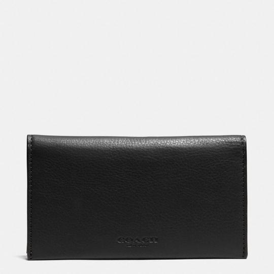 Preload https://img-static.tradesy.com/item/20525699/coach-black-universal-phone-case-in-sport-calf-leather-tech-accessory-0-0-540-540.jpg