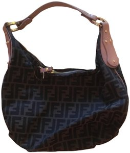 4ed9b4eca3 Fendi Leather Bags - Up to 70% off at Tradesy