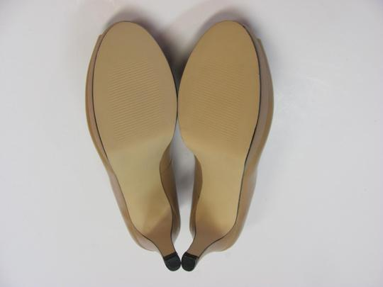 Ros Hommerson Size 8.50 Slim Padded Footbed Excellent Condition Neutral Pumps Image 6