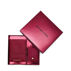 Michael Kors MICHAEL KORS FREESHIP JET SET TRAVEL PASSPORT SET