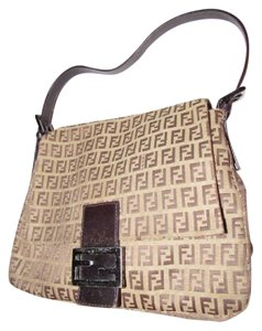 Fendi Popular Style Mint Condition Perfect For Everyday Dust Included Shoulder Bag