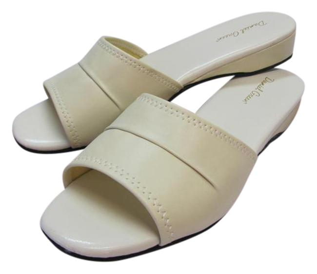 Item - Cream Excellent Condition Flats Size US 8.5 Narrow (Aa, N)